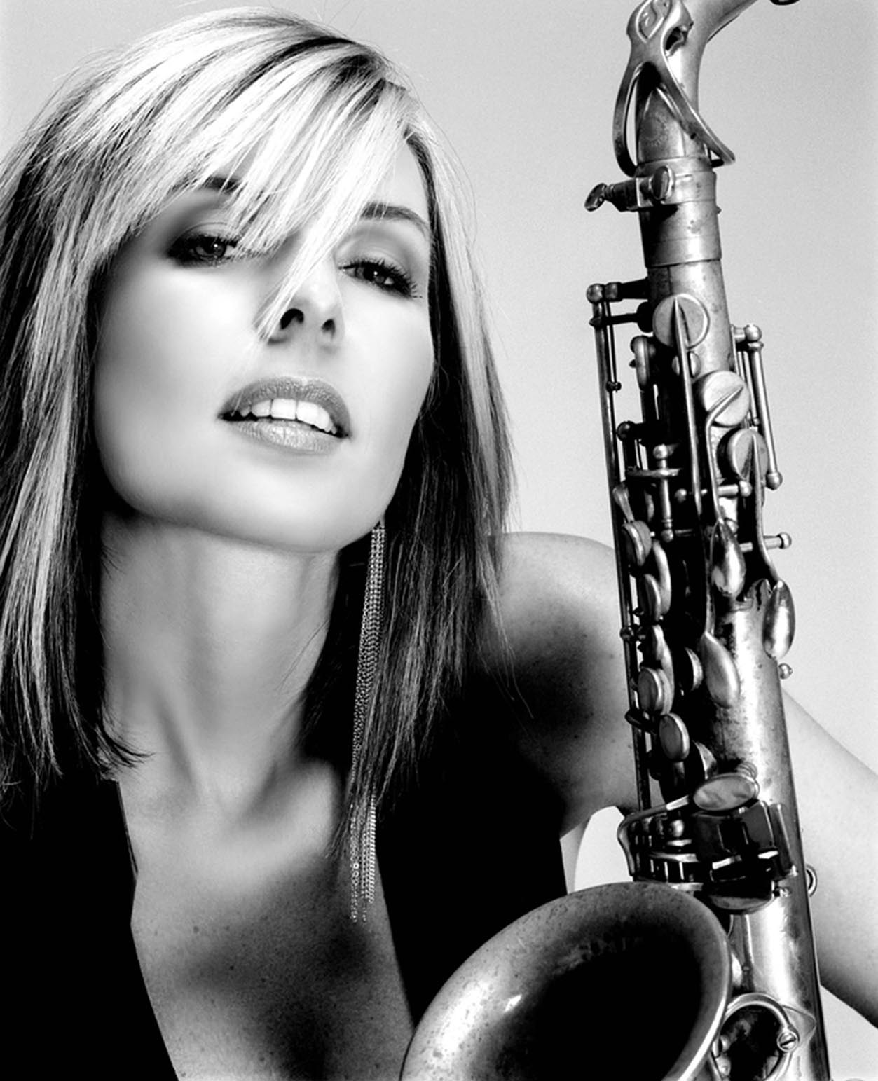 CANDY DULFER picture