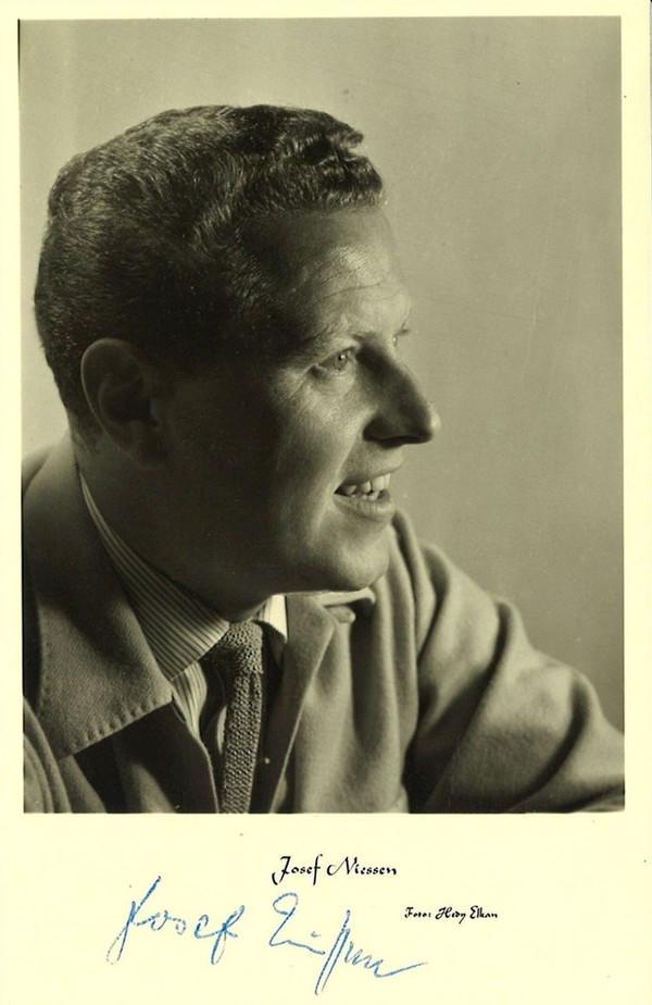 DAVE DAFFODIL (JOSEF NIESSEN) picture