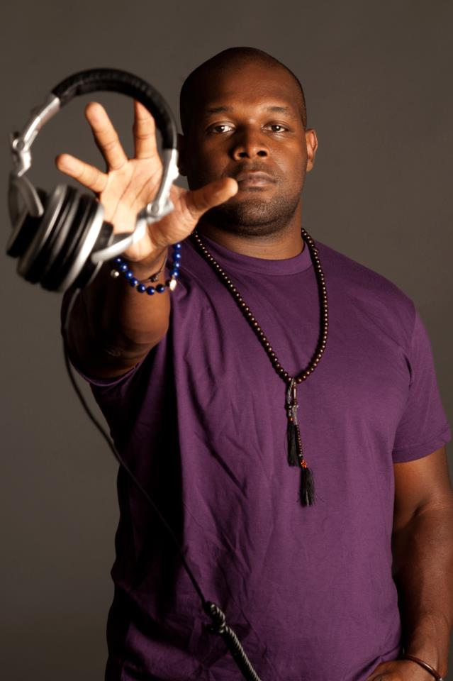 DJ LOGIC picture