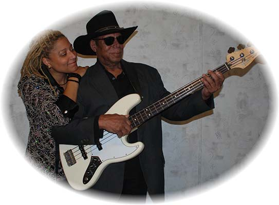 DONNA SINGER AND DOUG RICHARDS picture