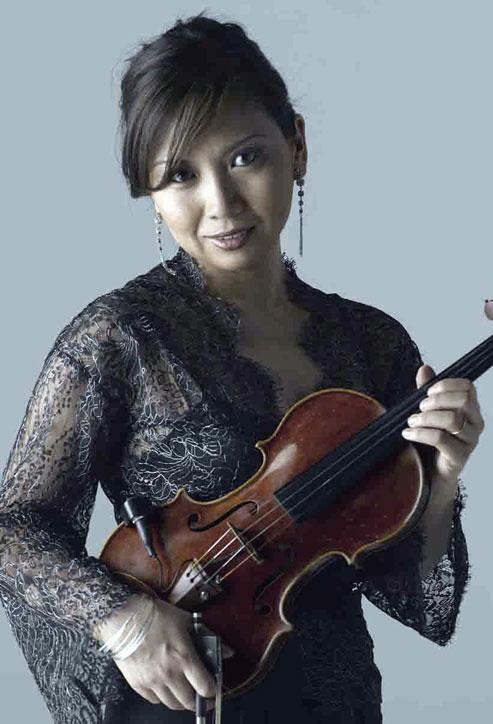 MEG OKURA picture