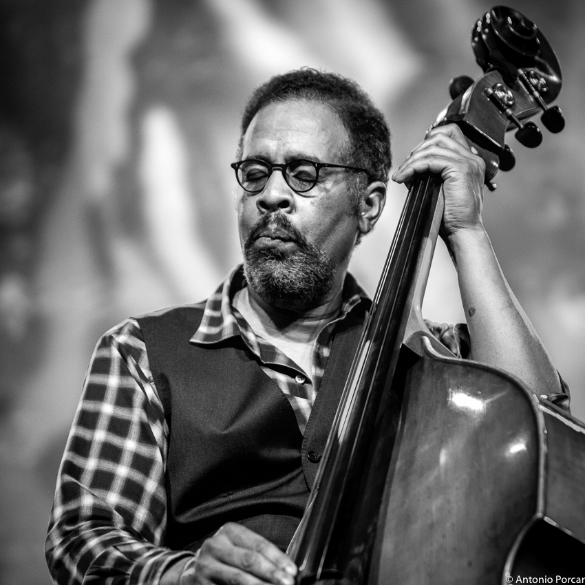 STANLEY CLARKE picture