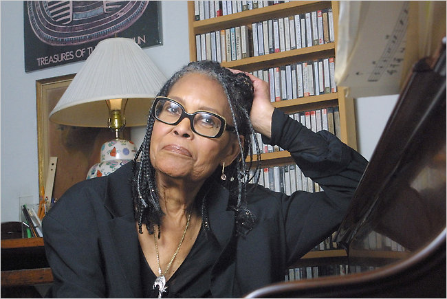 ABBEY LINCOLN picture