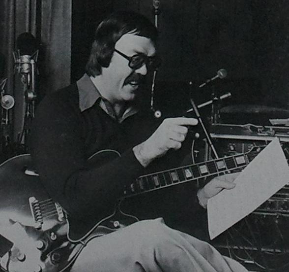 MIKE ELLIOTT picture