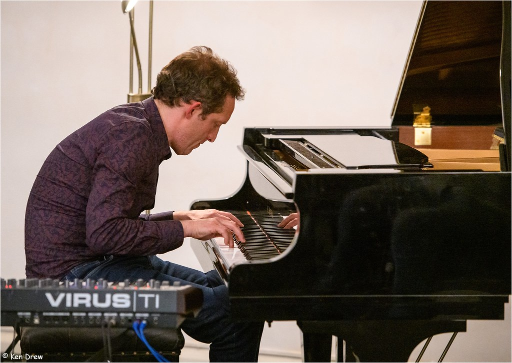PAUL TAYLOR (PIANO) picture