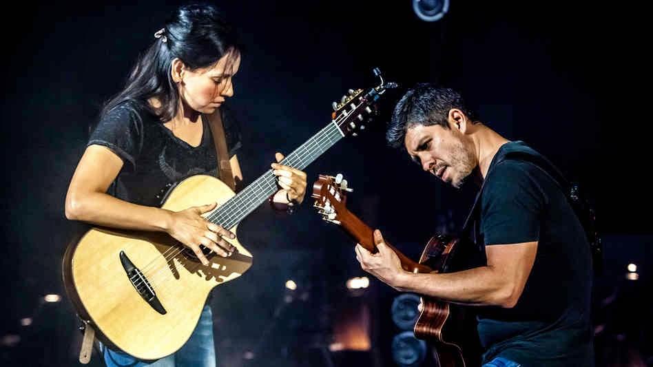 RODRIGO Y GABRIELA picture