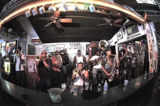 THE HOT 8 BRASS BAND picture